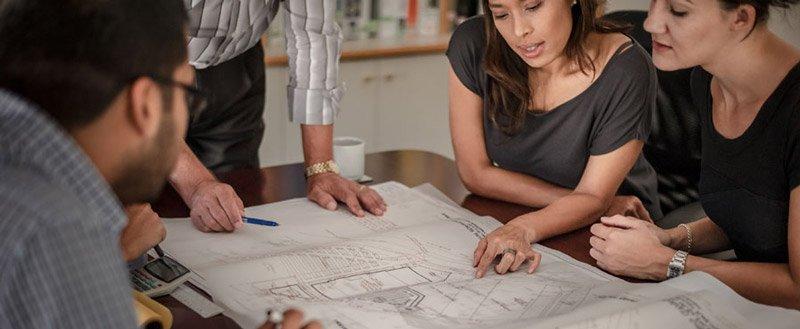 ristrutturazione di un appartamento: la riunione coi clienti