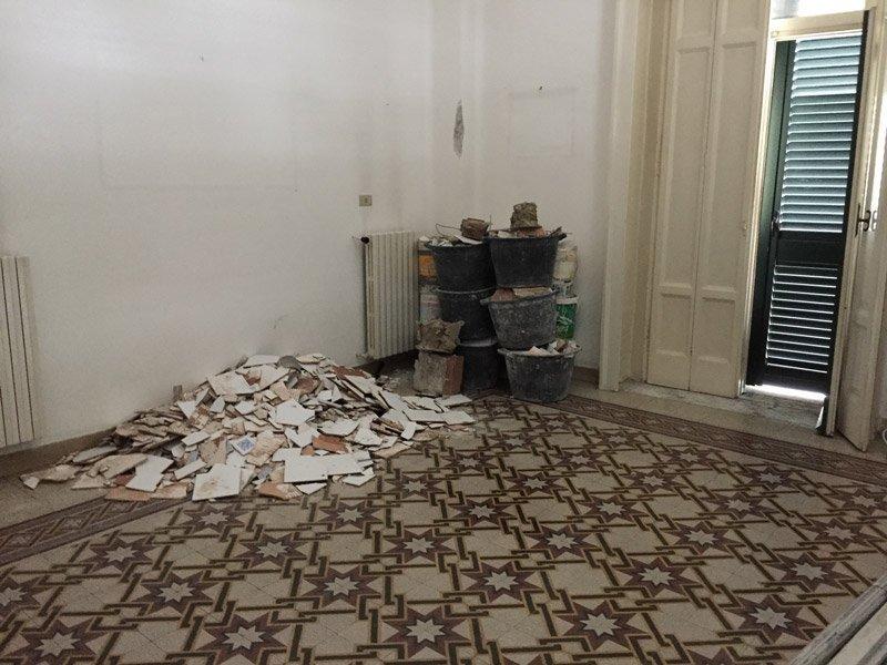 Ristrutturazione di un appartamento: giorno 1 foto 3