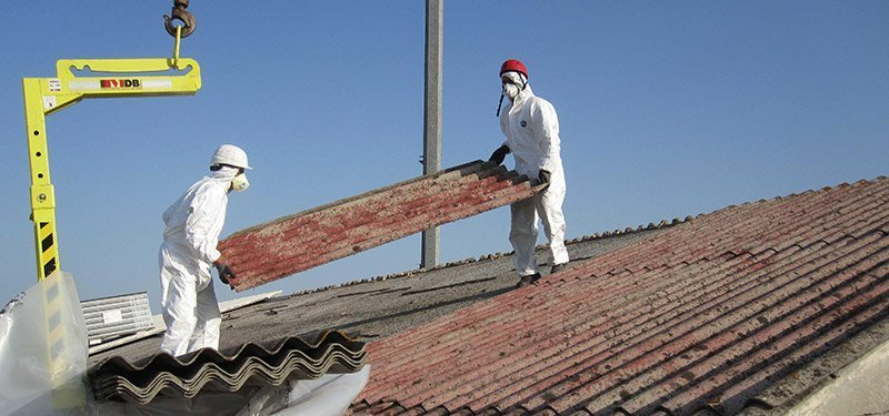 rimozione amianto: lavori sul tetto