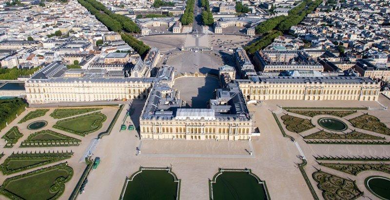 ristrutturare la reggia di Versailles