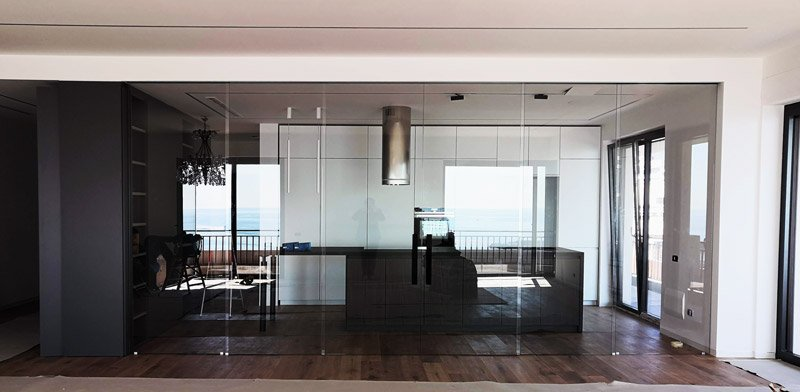 vetrate per interni: una parete lunga 6 metri