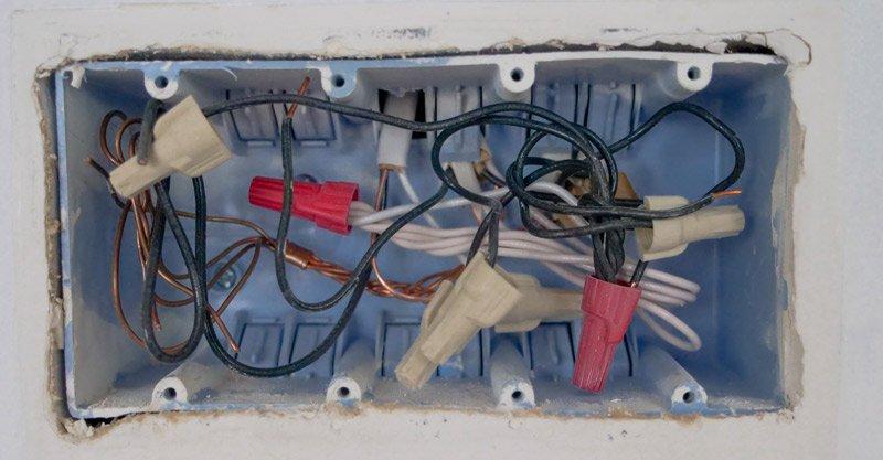 Cassetta di derivazione elettrica